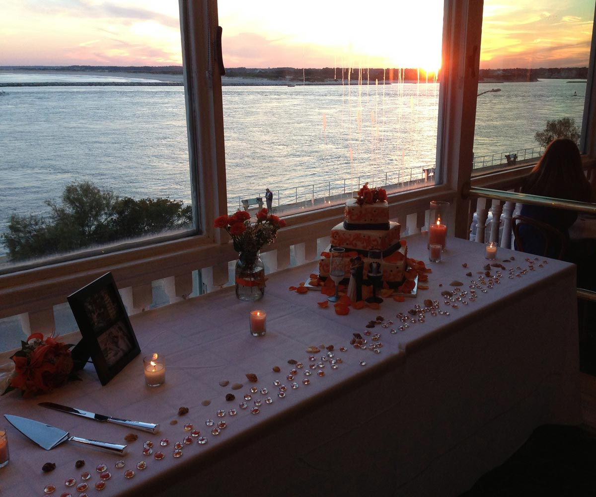 wedding-cake-sunset